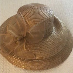 Designer hat- perfect for church or derby day!